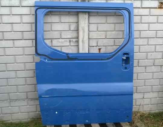 Opel Vivaro sérült jobb oldali húzó ajtó