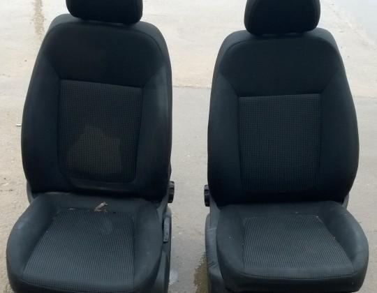 Opel Corsa D 5ajtóshoz első ülés
