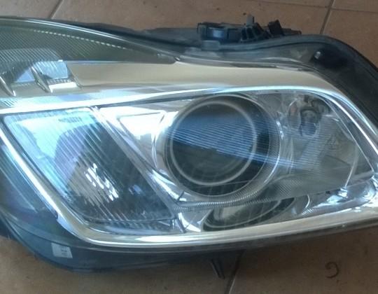 Opel Insignia jobb oldali Xenon fényszóró
