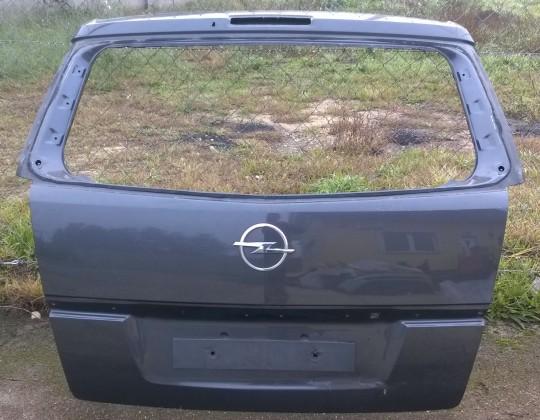 Opel Zafira B csomagtérajtó